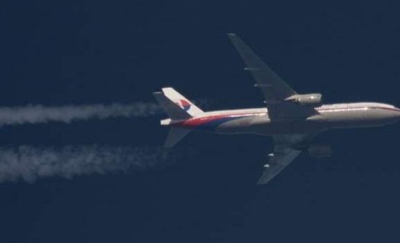 Did MH370 shadow other planes to escape detection?